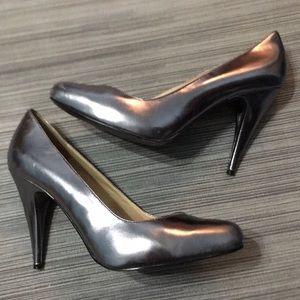 Michael Kors Pewter Gray Heels 7.5